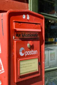 Mist ... müssen wir unsere Postkarten doch woanders einwerfen
